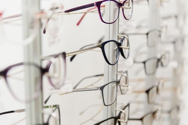 メガネショーケース