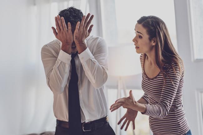 夫婦喧嘩で起こっている妻