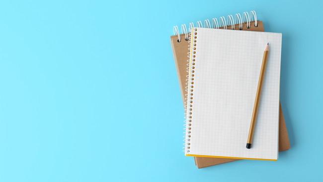 勉強ノートとペン