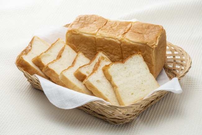 スライスした食パン