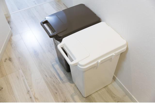 2色のゴミ箱