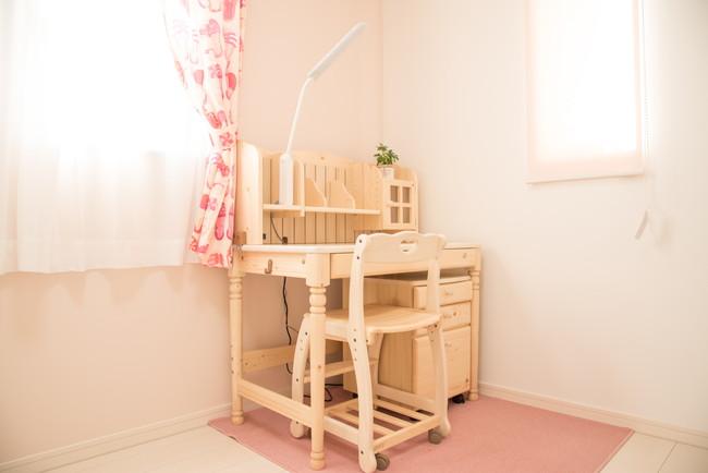 子供部屋の勉強机