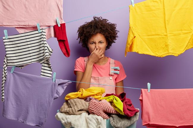 洗濯物が臭い女性