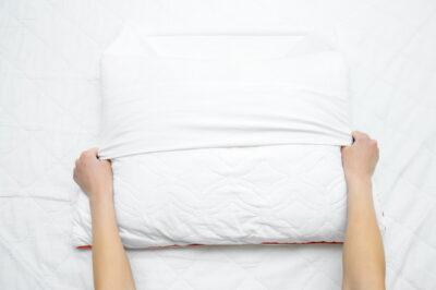 白い枕と枕カバー