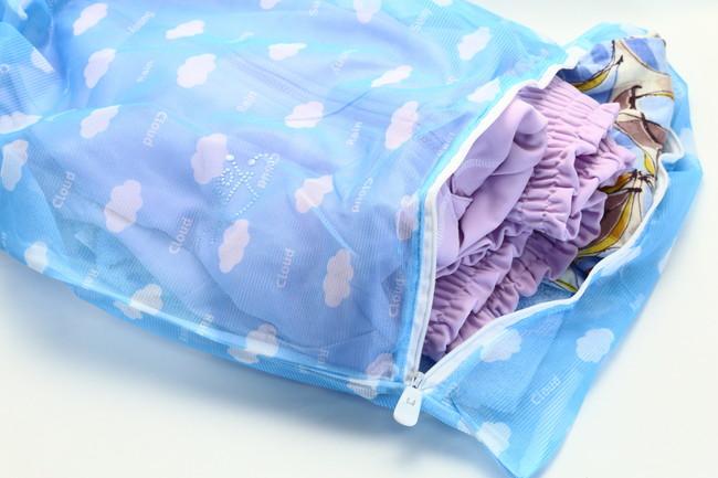 洗濯ネットに入った衣類