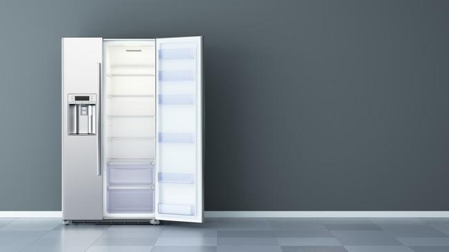 新品の冷蔵庫