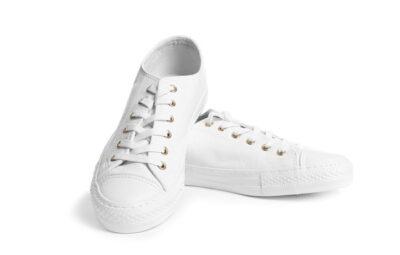 新品の白いスニーカー
