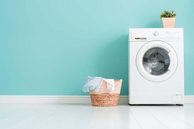 洗濯機と洗濯かご