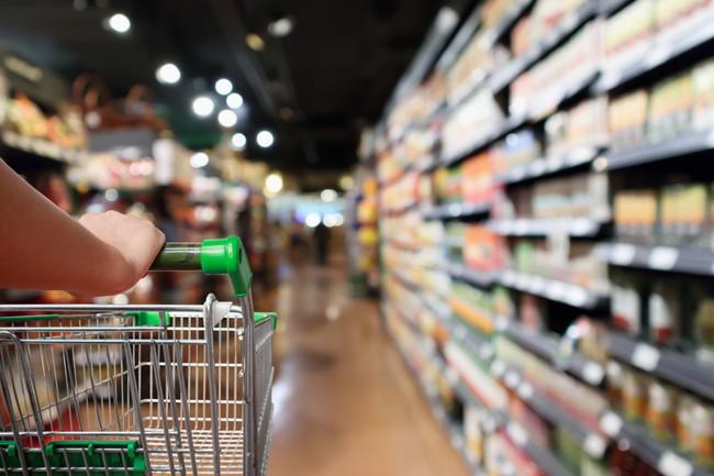 スーパーとショッピングカート