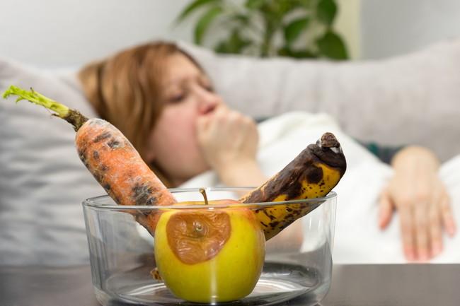 腐ったフルーツと野菜