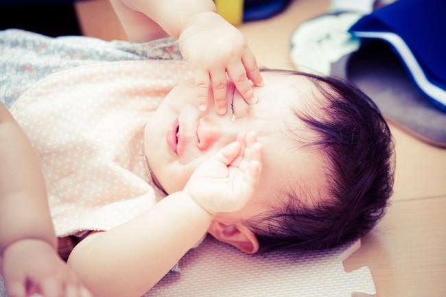 めそめそする赤ちゃん