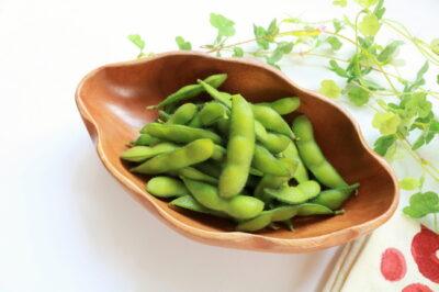 お皿に乗った枝豆