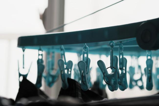 青い洗濯ハンガー