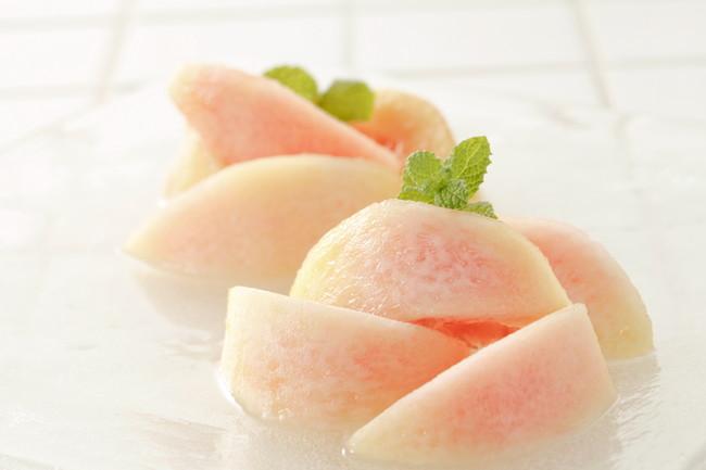 デザートの桃
