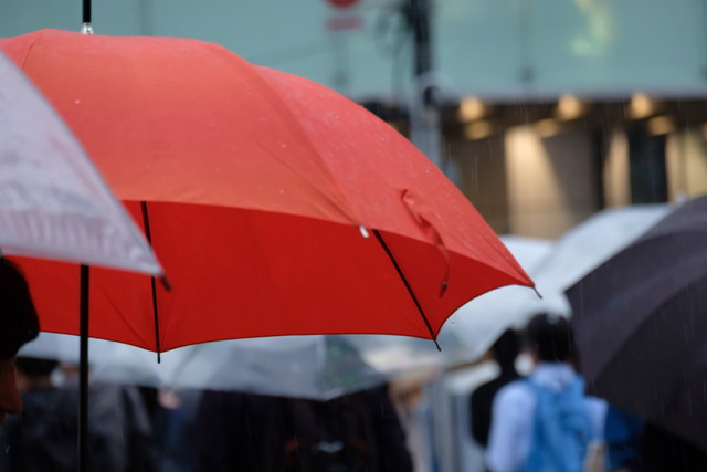 NGな傘の差し方とは
