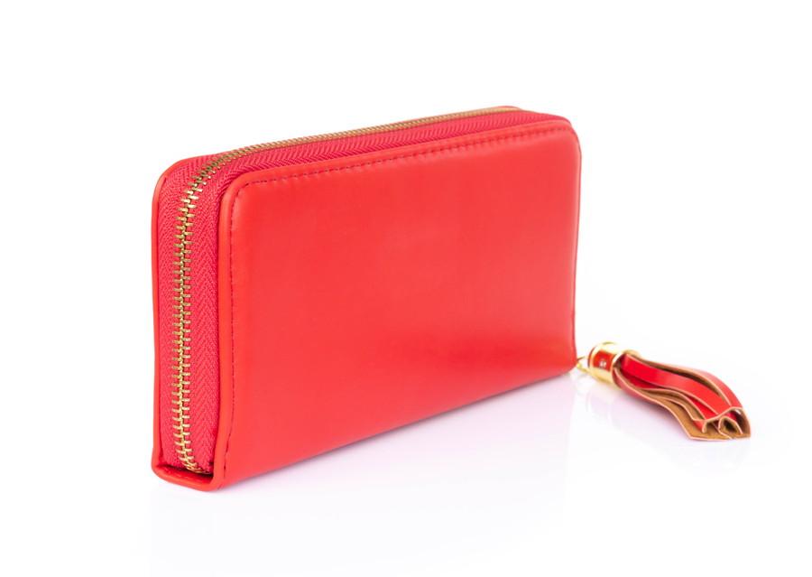 赤色の長財布