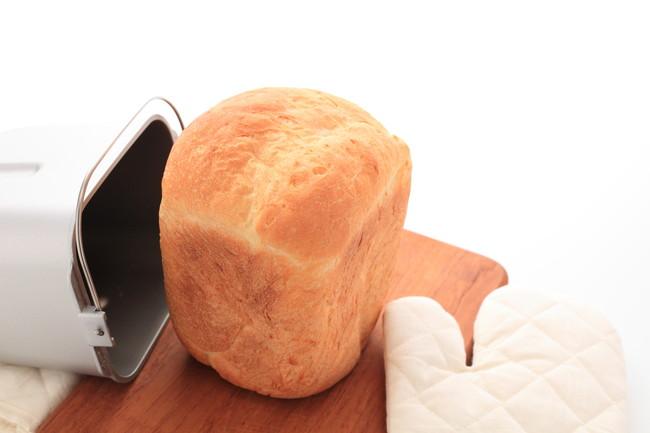 ホームベーカリーで焼いた焼きたての食パン