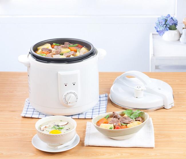 電気圧力鍋で調理
