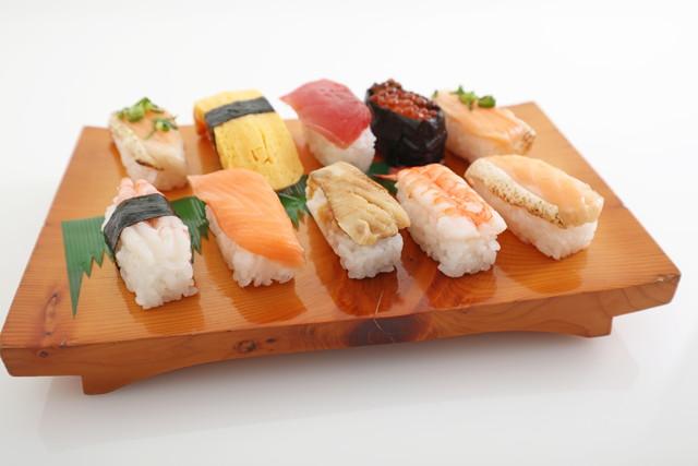 ゲタに乗った寿司