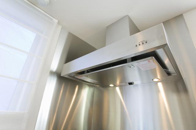 換気扇で空気の流れを作る