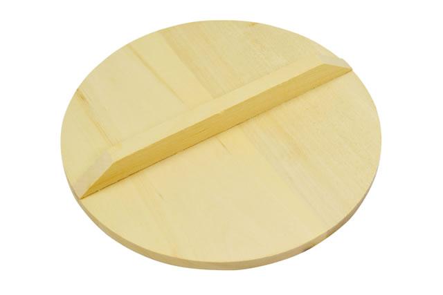 煮物料理に欠かせない木製の落とし蓋