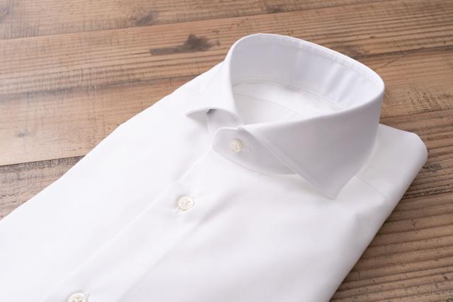 折りたたまれたシャツ