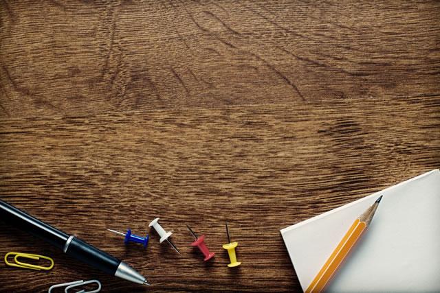 画鋲と文房具