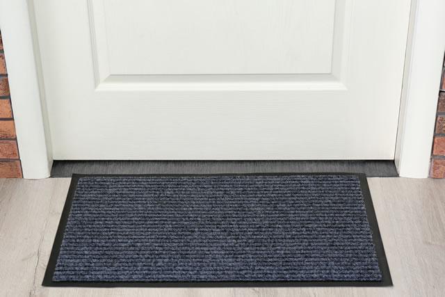 グレーの玄関マット