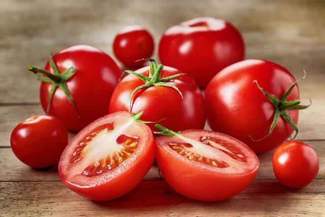美味しそうなトマト