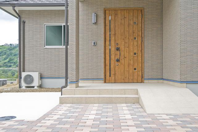 住宅の玄関