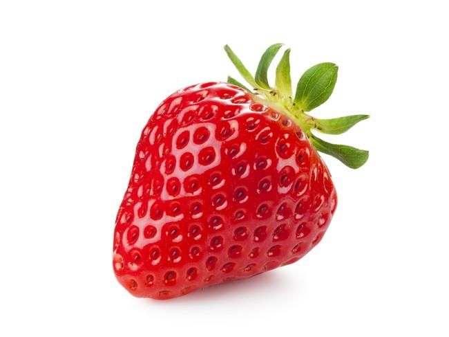 真っ赤に完熟している美味しそうなイチゴ
