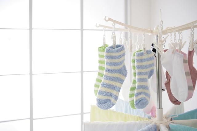 部屋干し、靴下とタオル