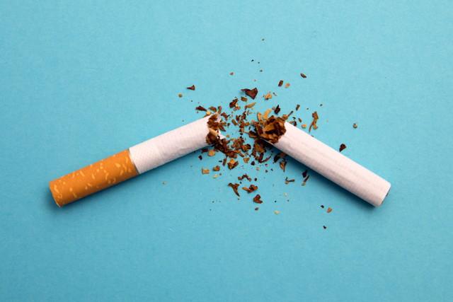 折れたタバコ