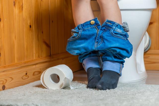 トイレの少年