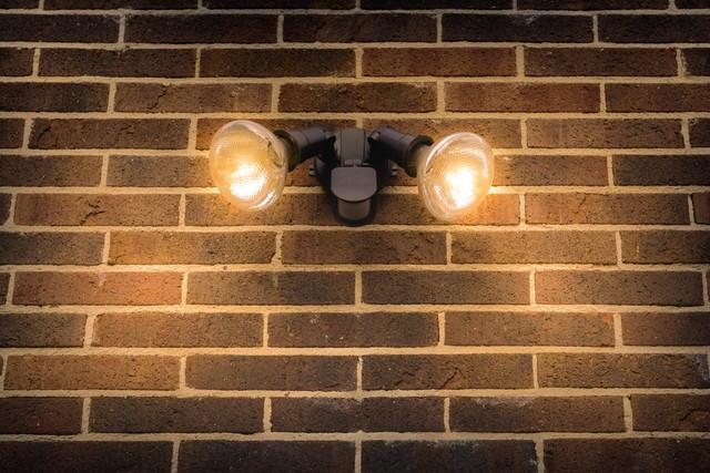 防犯ライト2つ