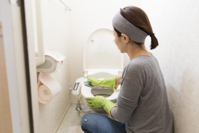 トイレ掃除イメージ