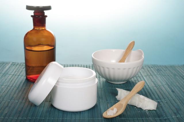 蜜蝋を加工する道具
