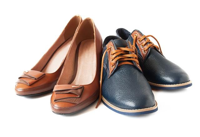 二足の革靴
