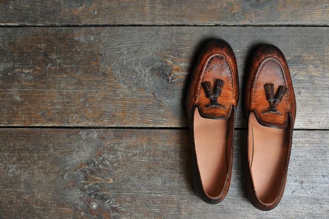 タッセルが付いた靴