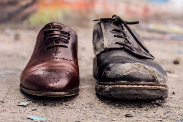 キレイな靴と汚れた靴